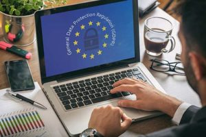 Laptop mit DSGVO der Europäischen Union