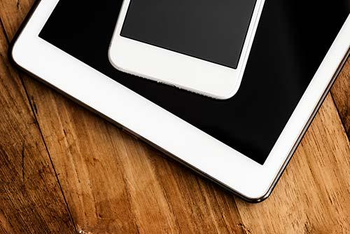 Webseite auf Smartphone und Tablet