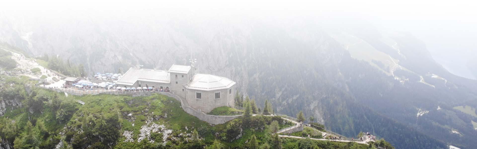 Luftaufnahmen und Luftbilder mit Drohnen - das Kehlsteinhaus in Berchtesgaden aus der Luft